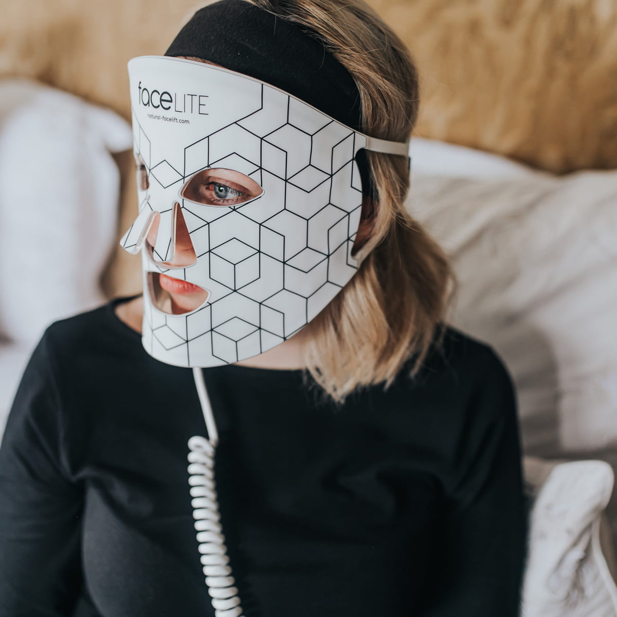 faceLite - The Luxurious LED Face Mask - Beautiful Skin at the touch of a button